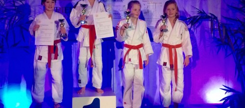 Nohade Riade en Chiara Melisie judokampioen in Slagharen.