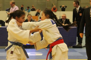 Judo Promotion Twente judoka Nohade Riadi wint met houdgreep van Joy Rotgans