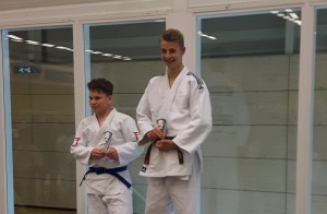 Jochem van Dijk kampioen in Almelo