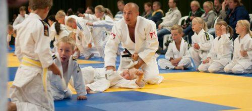 RTC-trainer Sirach Cooiman geeft gasttraining in Almelo