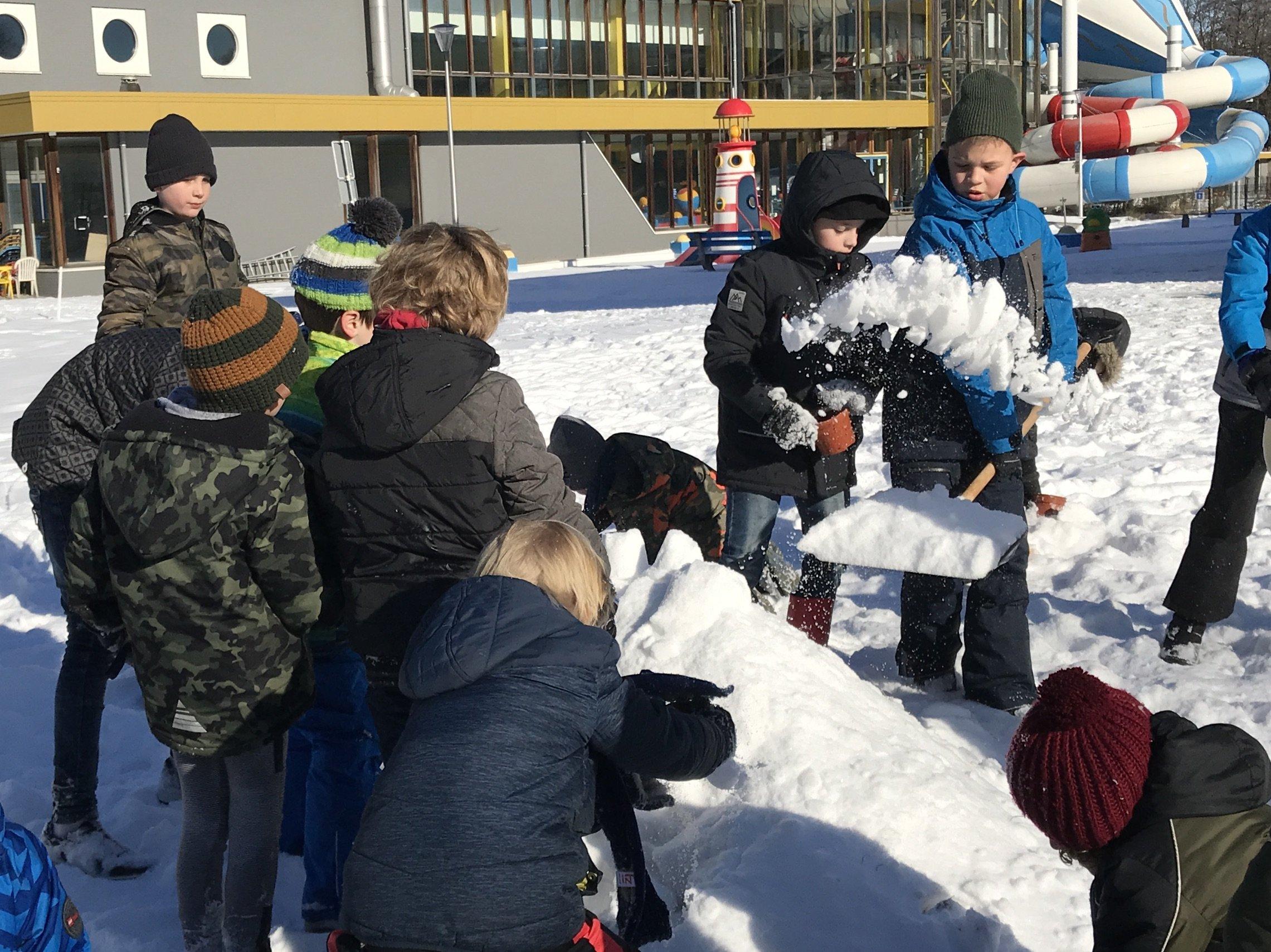 Sneeuwmuur bouwen - JPT